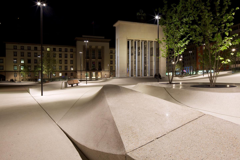 Landhausplatz